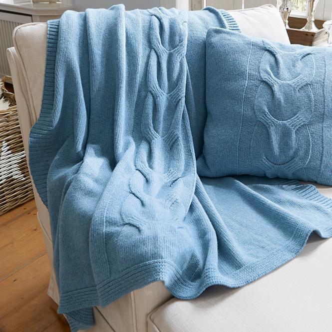 Plaid Doreen | Heimtextilien > Decken und Kissen > Tagesdecken und Bettüberwürfe | Blau | 80% lammwolle -  20% nylon | LOBERON