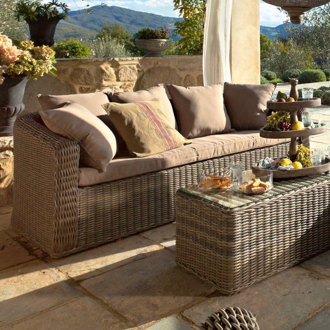 sofa aus rattan oder polyrattan kaufen unterschiede und tipps zur verwendung. Black Bedroom Furniture Sets. Home Design Ideas