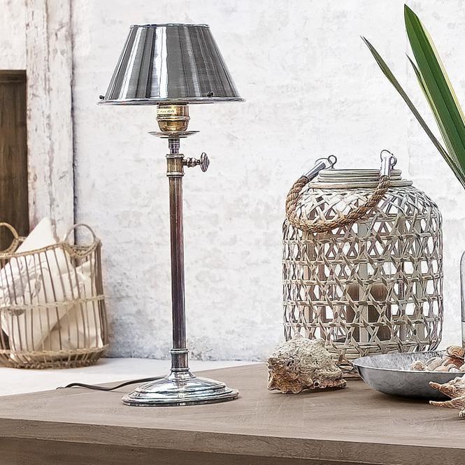 Tischlampe Viola | Lampen > Tischleuchten | Antiksilber | Fuß: messing | Möbel | Lampen & Leuchten | Tischlampen