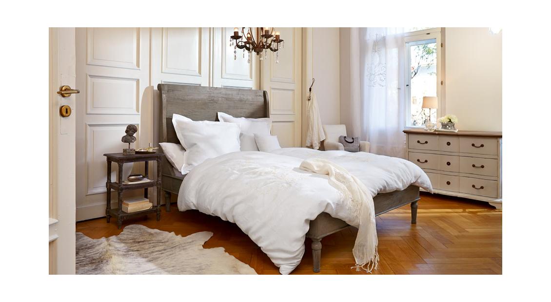 Schlafzimmer In Französischer Eleganz