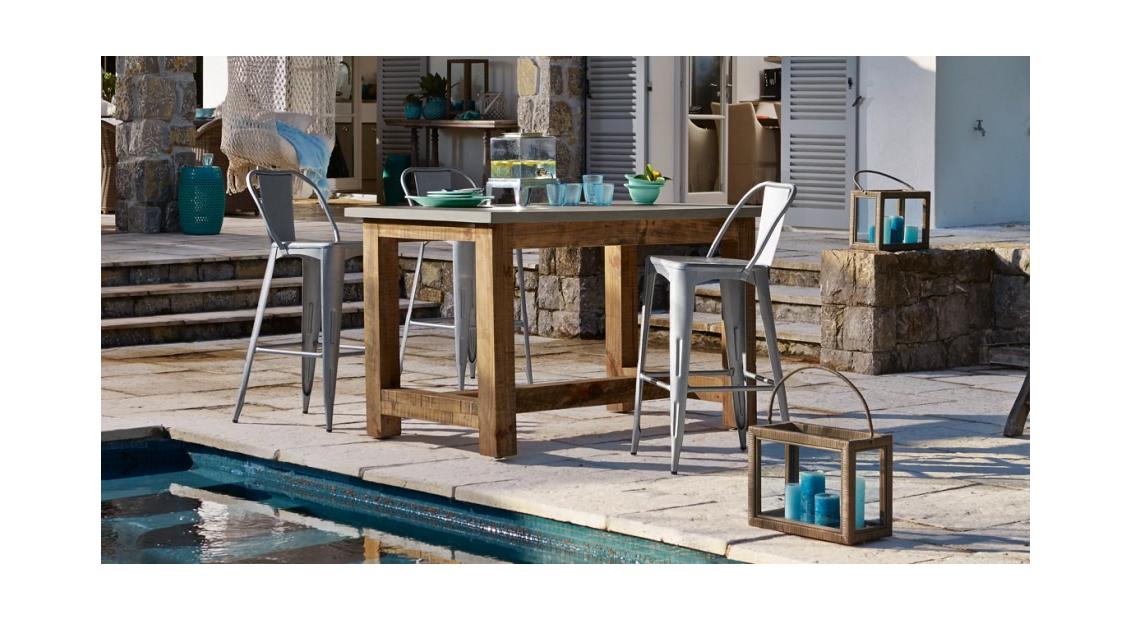 Bar at the Pool