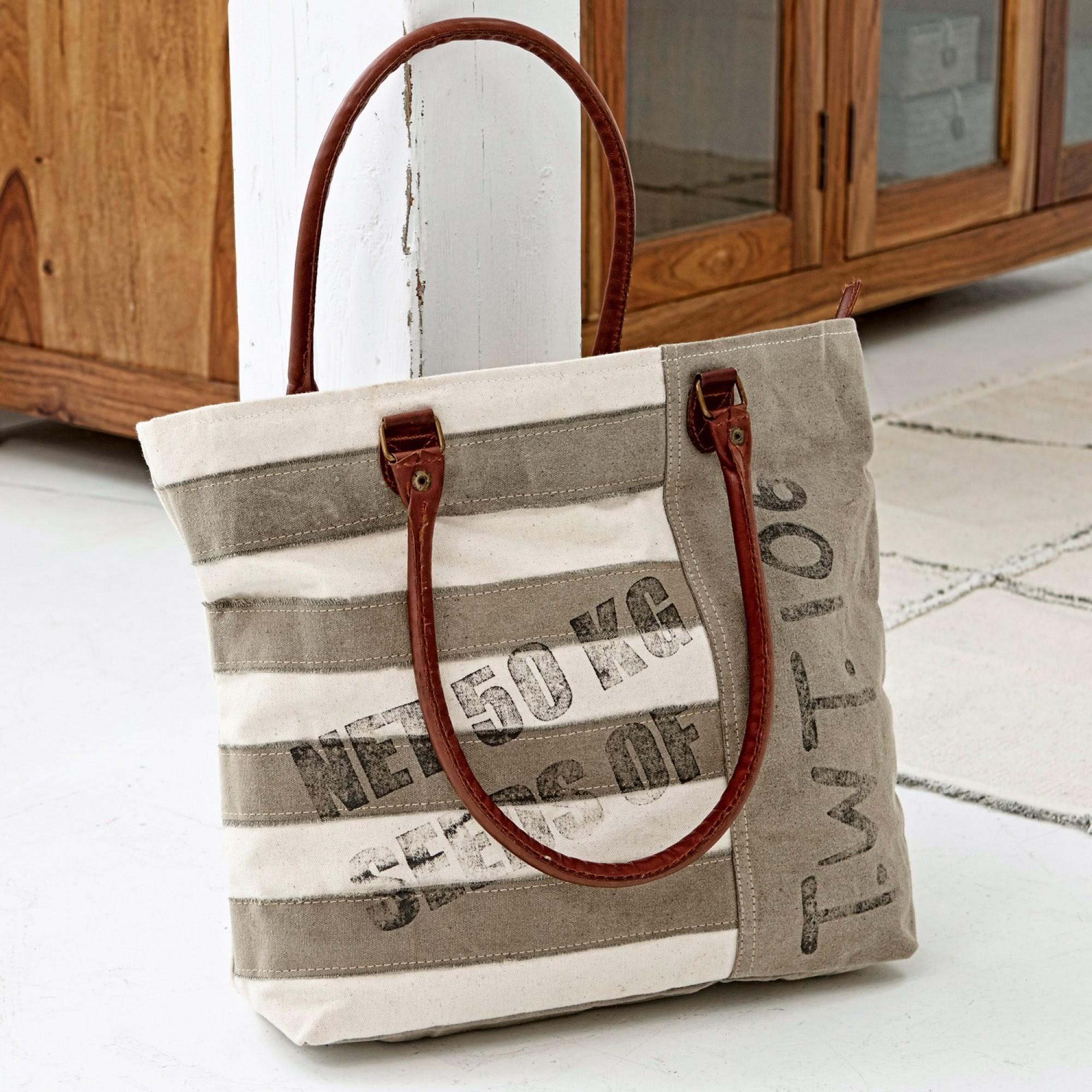 tasche gillian loberon coming home. Black Bedroom Furniture Sets. Home Design Ideas