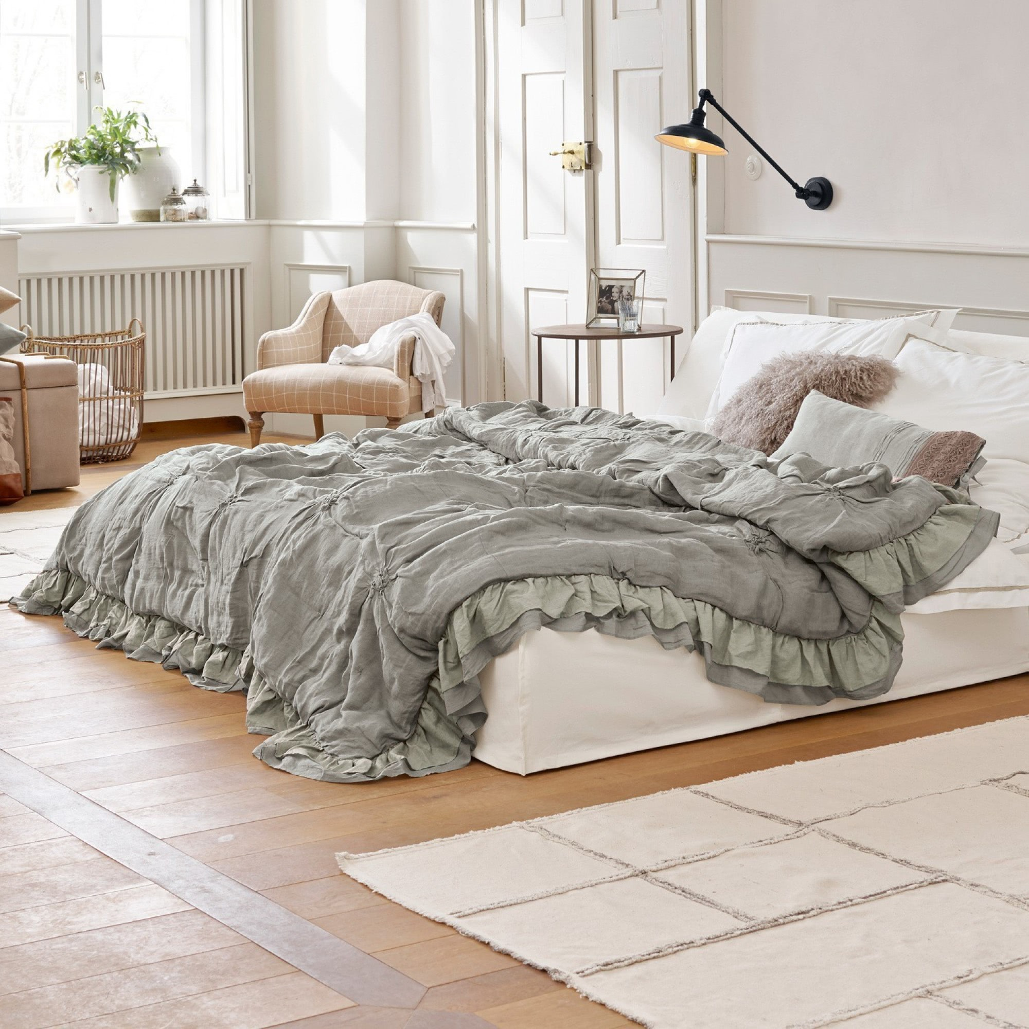 quilt millis loberon coming home. Black Bedroom Furniture Sets. Home Design Ideas