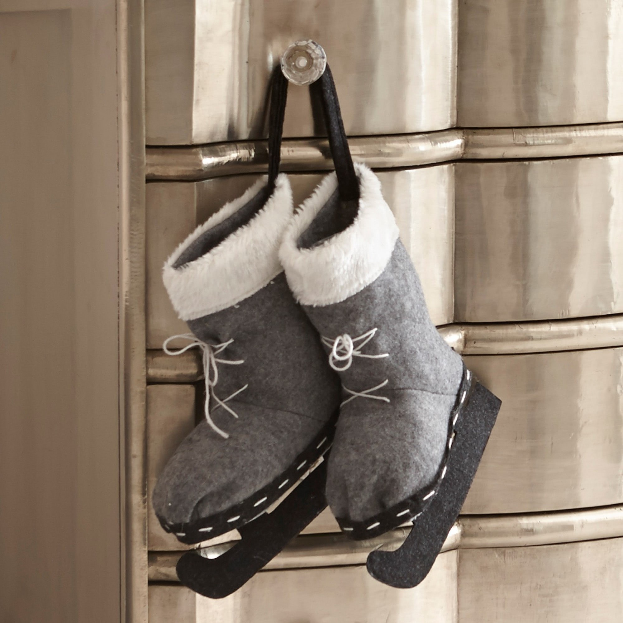 weihnachtsschmuck x mas skates loberon coming home. Black Bedroom Furniture Sets. Home Design Ideas
