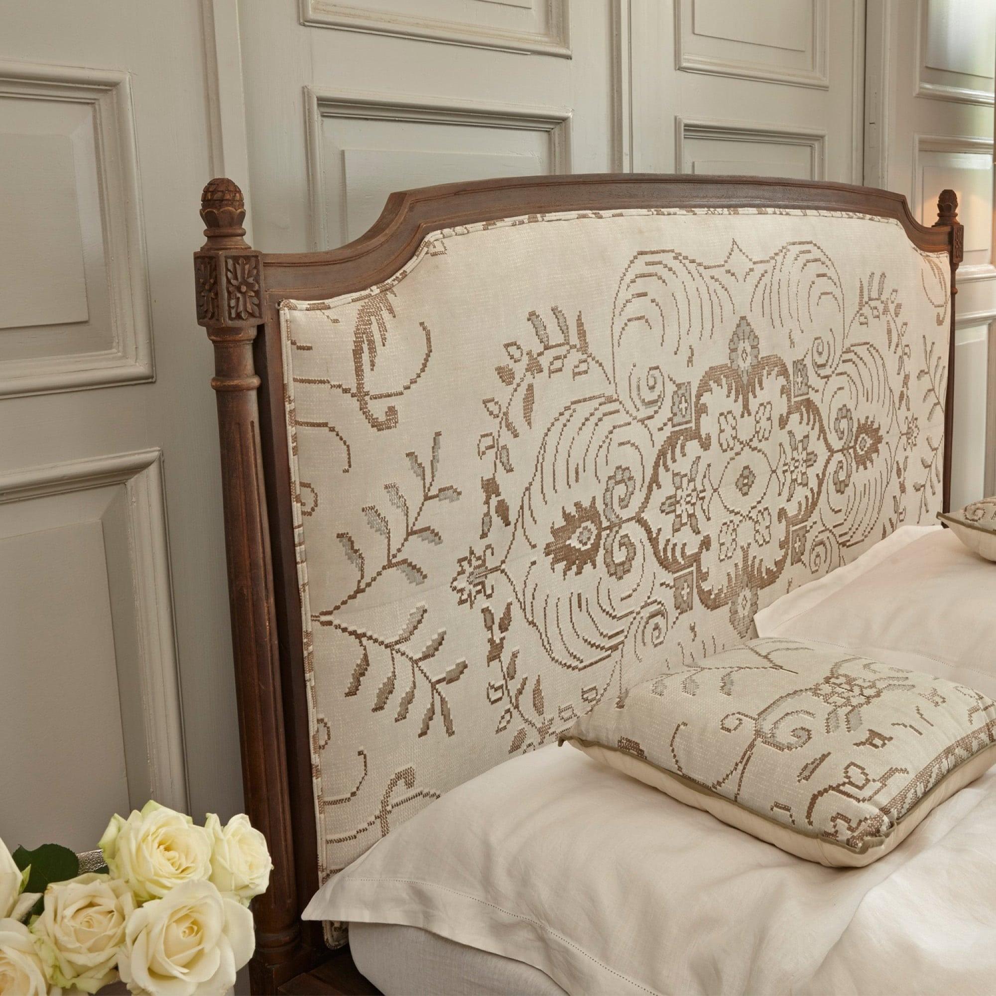 bett divion loberon coming home. Black Bedroom Furniture Sets. Home Design Ideas